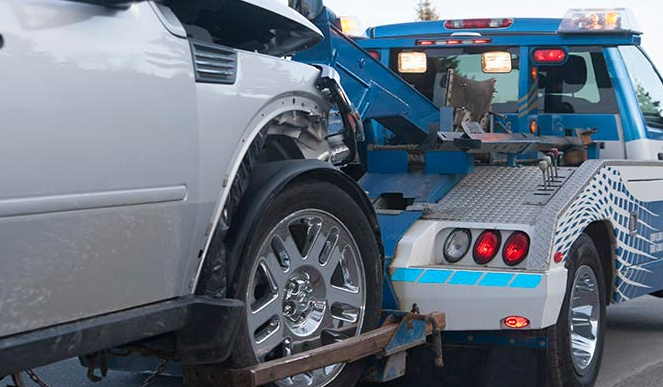 What are the advantages of using towing insurance?